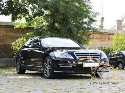 Mercedes-Benz S Class w221 Black