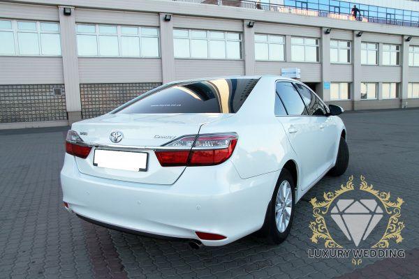 Toyota Camry 50 White